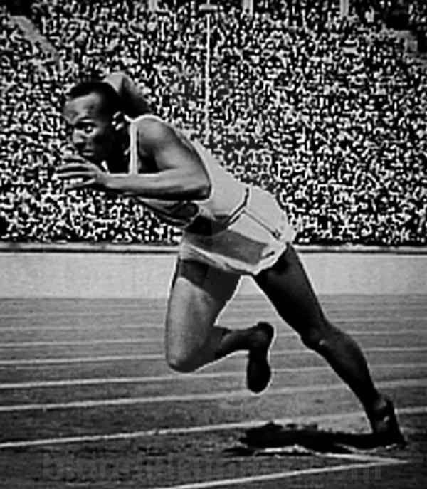 El famoso velocista Jesse Owens
