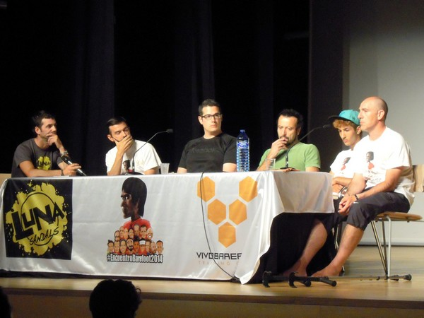 Mesa Redonda - II Encuentro Barefoot 2014