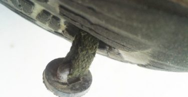 Detalle del tapón de las Pies Sucios Nunche v2 con 2.200 km de uso