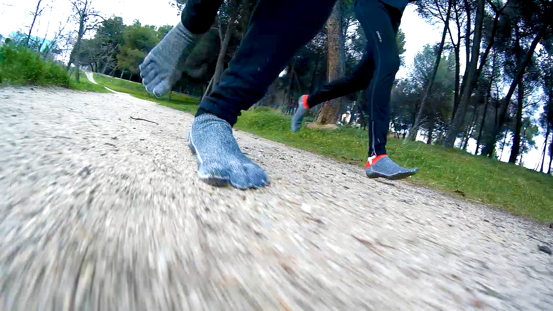 Correr descalzo con calcetines FYF - Free Your Feet