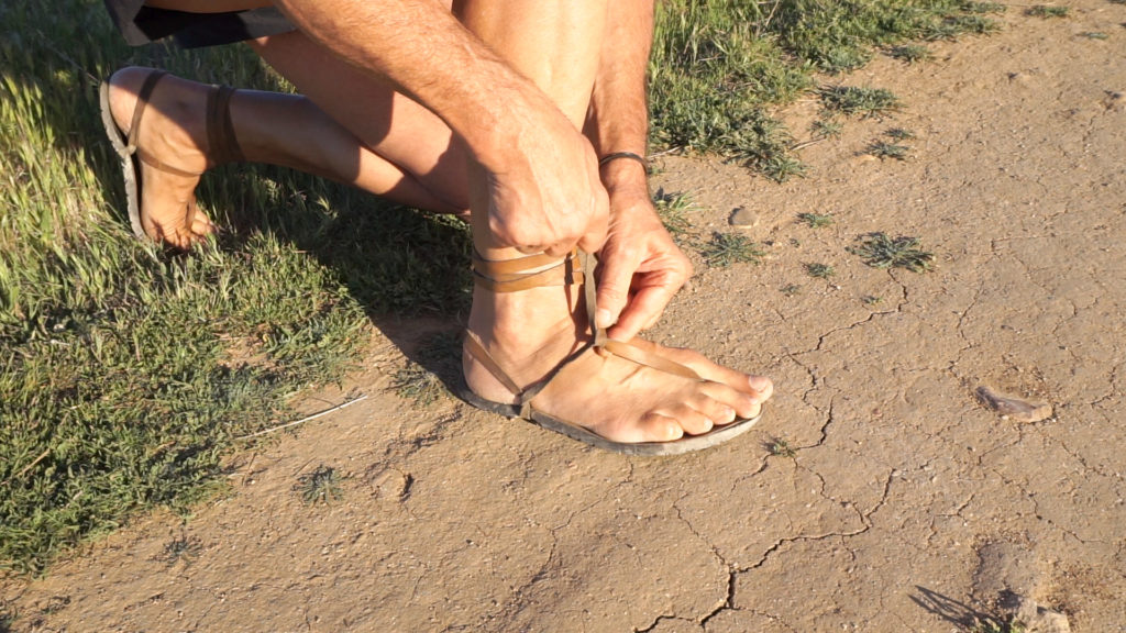 Cómo hacer el atado Tarahumara en tus sandalias Huaraches